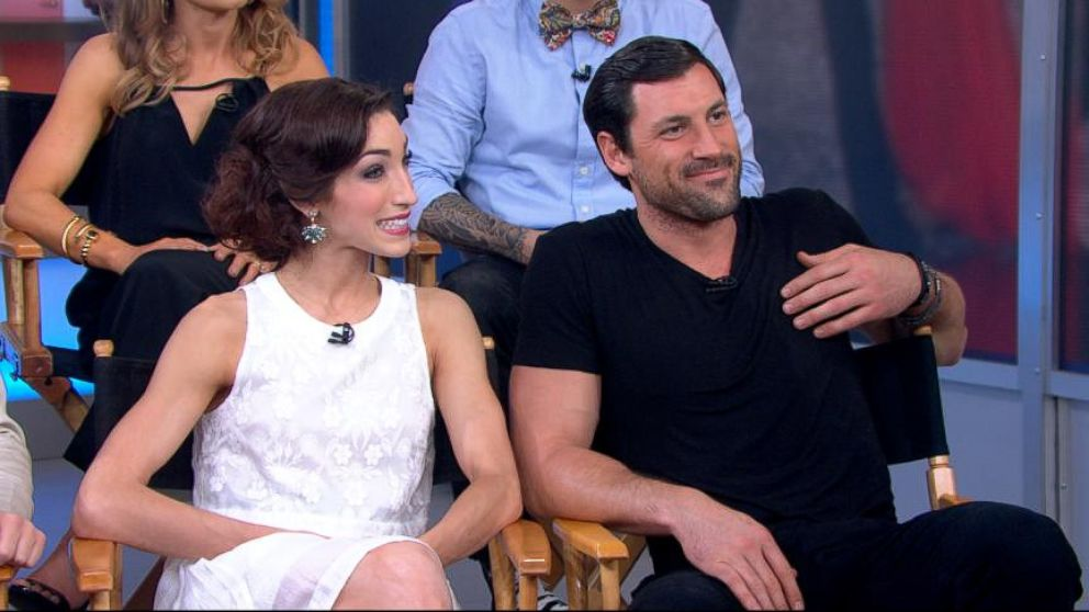 Meryl Davis And Maksim Chmerkovskiy Kiss