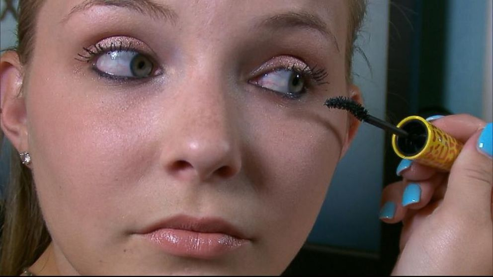 Woman Claims Covergirl Mascara Made Her Eyelashes Fall Out Abc News