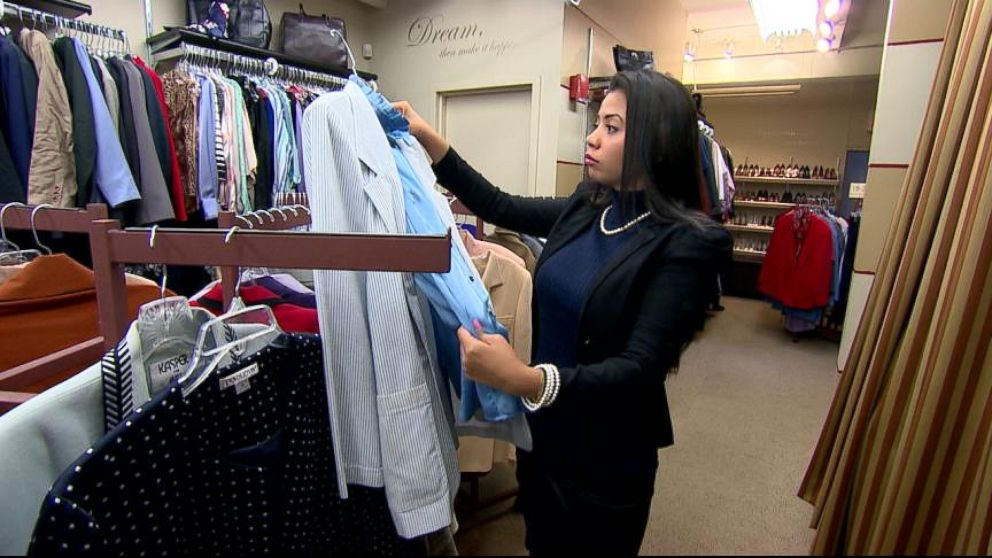 Gma Gives Back Dress For Success Gives Women A New Suit And A New