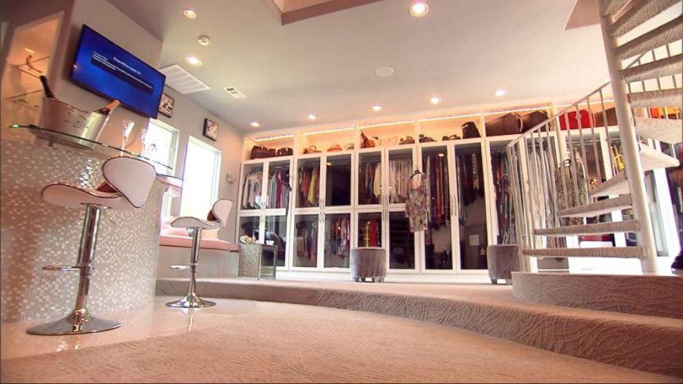 Caught On Camera Burglar Breaks Into Triple Decker Closet