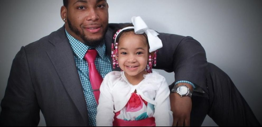 VIDEO: Bengals Re-Sign Devon Still to Pay for Daughters Cancer Treatment