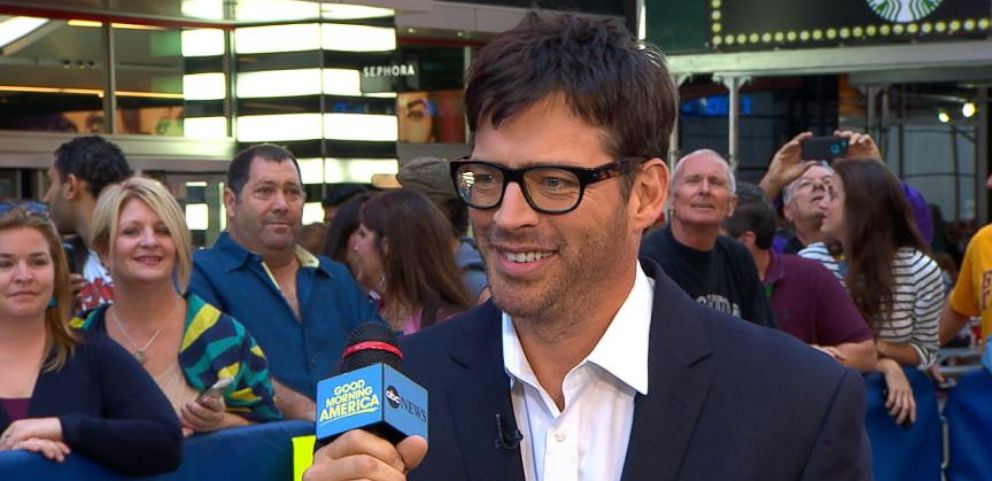 "VIDEO: Harry Connick Jr. Sheds Light on His Role in ""Dolphin Tale 2"""