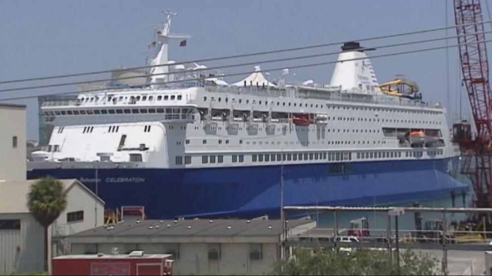 HalloweenThemed Cruise In The Bahamas Hits Something Big Video - Bahamas celebration cruise ship