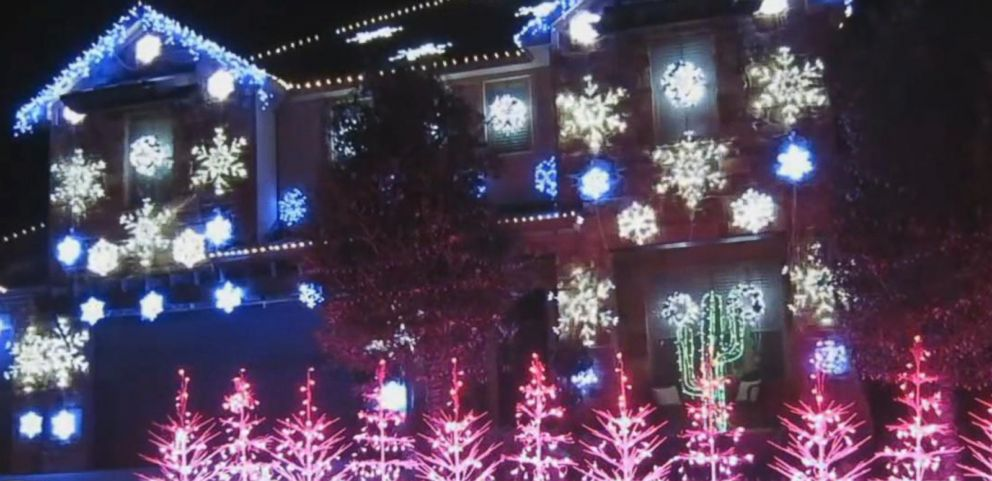 VIDEO: Holiday Light Show Set To Let it Go From Frozen