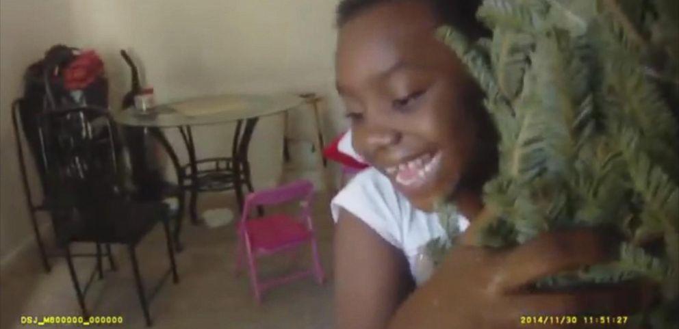 VIDEO: Cops Deliver Christmas Surprise