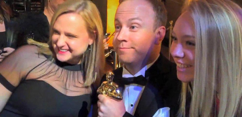 VIDEO: A new viral video shows a man posing as an Academy Award winner.