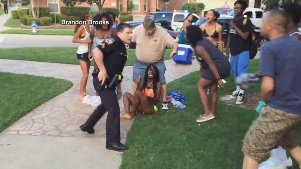 Texas Officer Slams Teen To Ground, Put On Leave After Video Emerges Video - Abc News-6054