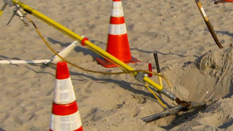 Strange Investigators Dig Up Electrical Line After Rhode Island Beach Blast Wiring Database Indigelartorg