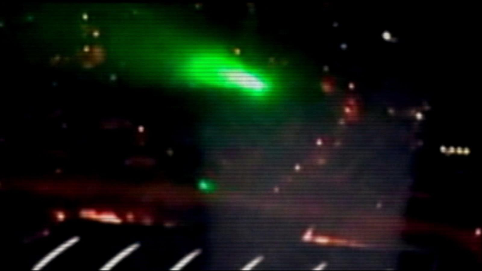 Why Lasers Are So Dangerous To Airplane Pilots Abc News Theus Green Laser Pointer