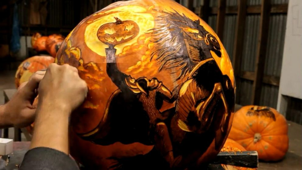 Pumpkin Carving Artist Creates Spectacularly Spooky