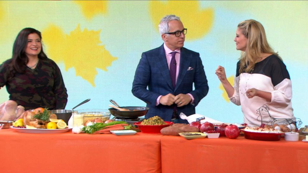 VIDEO: Chopped Judges Dish Out the Tips for Doing Thanksgiving Right