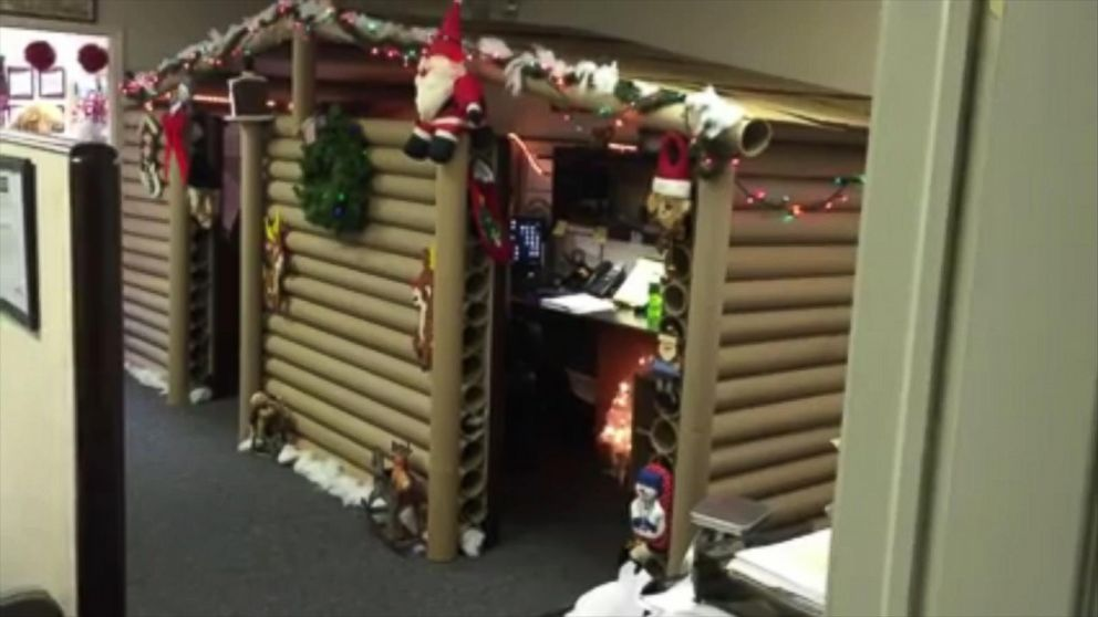 Office Cubicle Turns Into Christmas Cabin For The Holidays