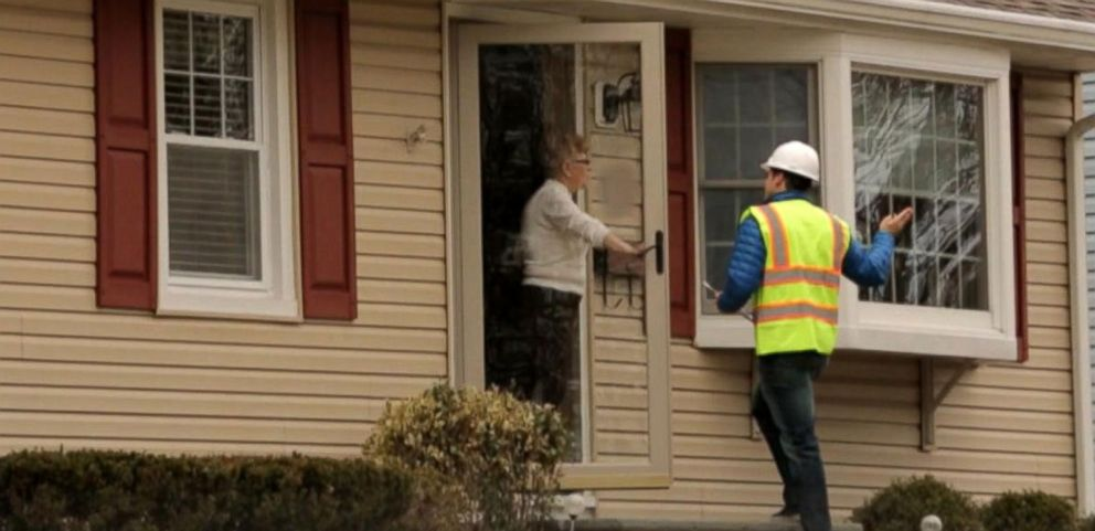 VIDEO: Imposters Allegedly Pretend to Be Utility Workers to Get Into Homes