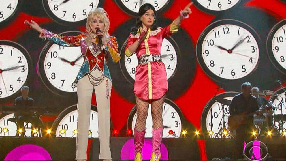 Katy Perry Dolly Parton Duet At American Country Music Awards