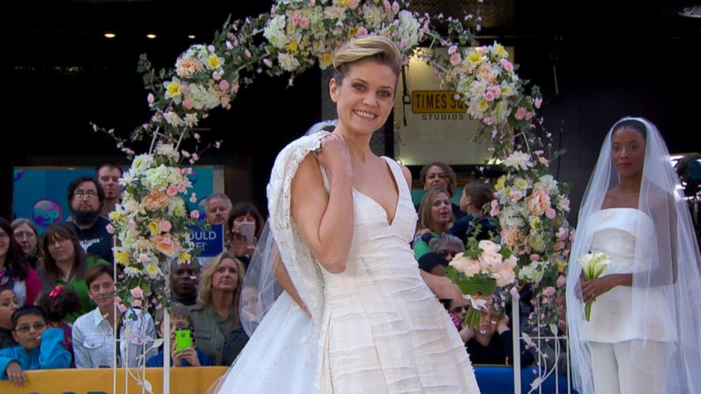 Top Wedding Dress Trends Of 2016 Revealed On GMA