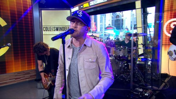 Cole Swindell Performs Live on 'GMA'