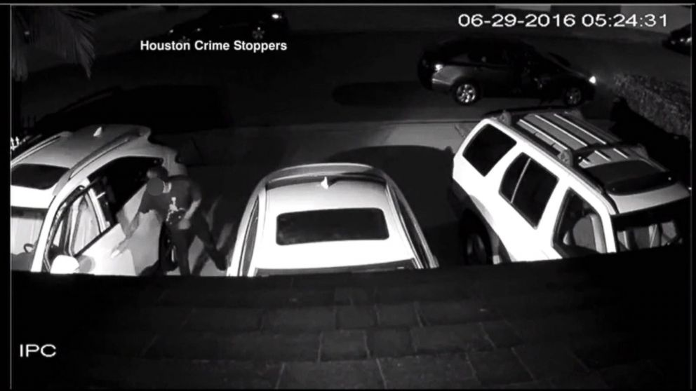 VIDEO: Hackers Steal More Than 100 Vehicles, Transport Them to Mexico