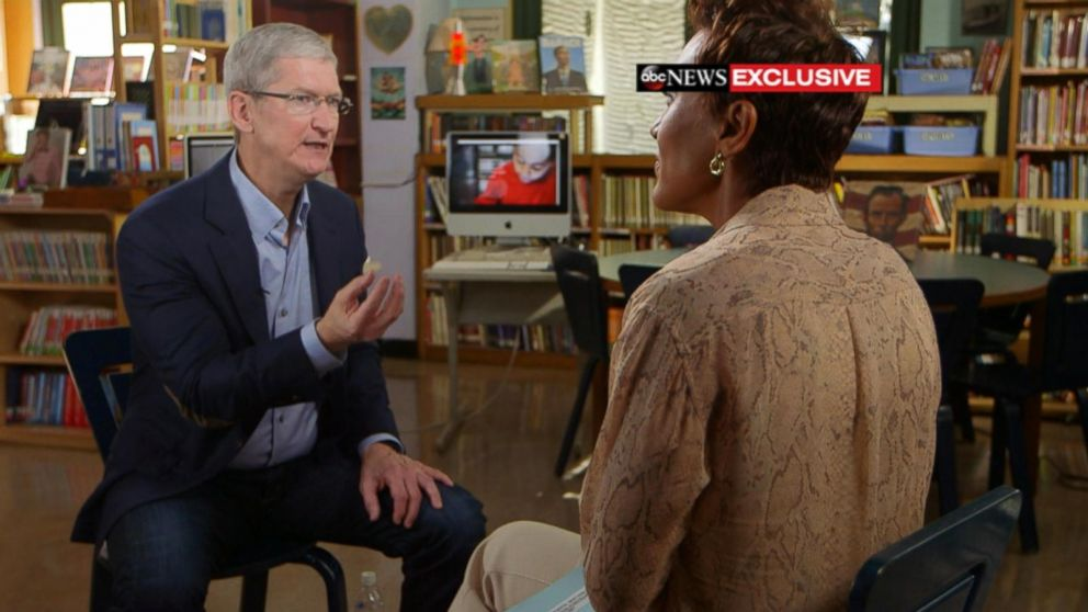 Apple CEO Tim Cook Talks Tech in Classroom, iPhone AirPods and Wireless Being 'the Future'