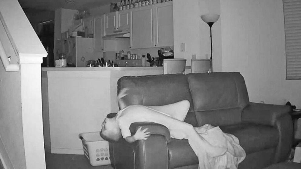 скрытое видео девушек дома с мужьями - 4