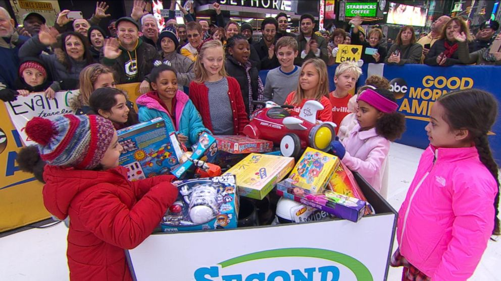 Donating Toys To Children In Need Video Abc News