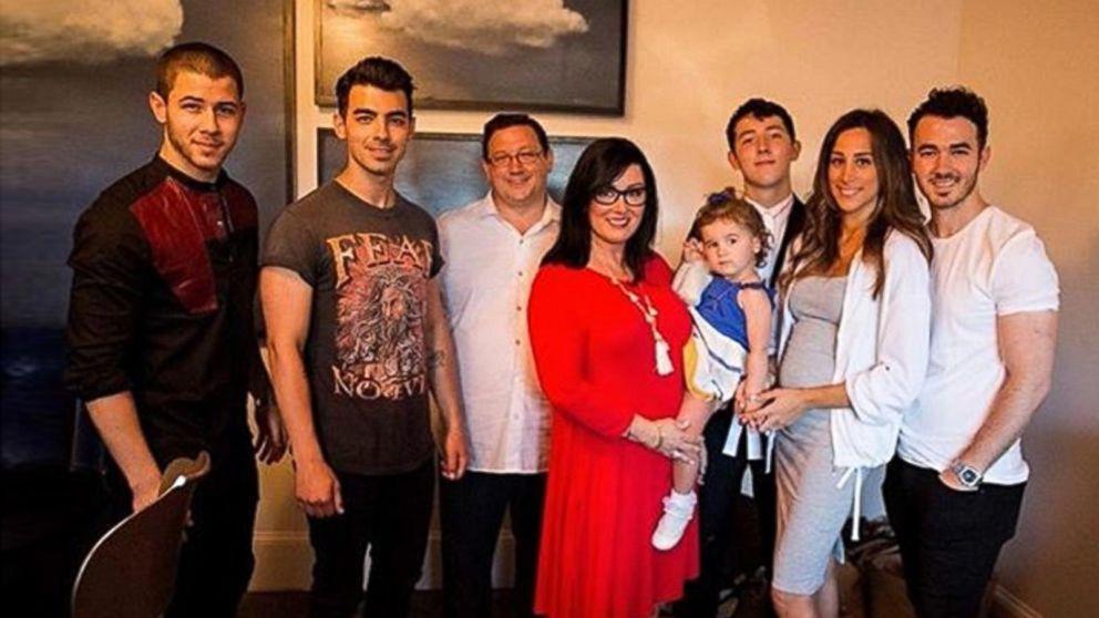 Jonas Family Shares Details Of New Restaurant Video Abc News