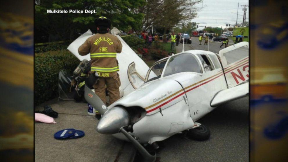 Video captures small plane crash in Washington Video - ABC News