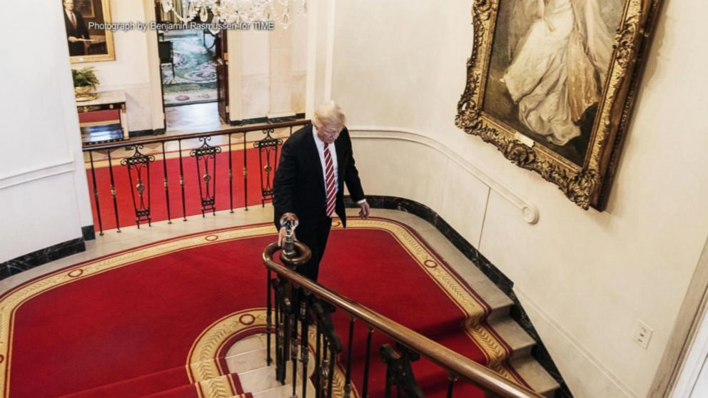 Trump redecorates White House with gold walls chandelier Video