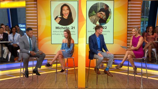 Tinder couple whose 3 years of messages went viral meets for 1st time on 'GMA'
