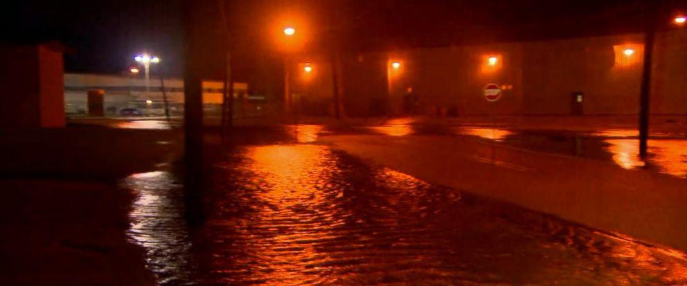 VIDEO: Louisiana races to evacuate amid flooding concerns