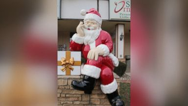 'Santa Claus, Indiana, and Santa Claus, Georgia, are known as must-visit holiday destinations.' from the web at 'https://s.abcnews.com/images/GMA/171222_vod_orig_santaclaustowns_16x9_384.jpg'