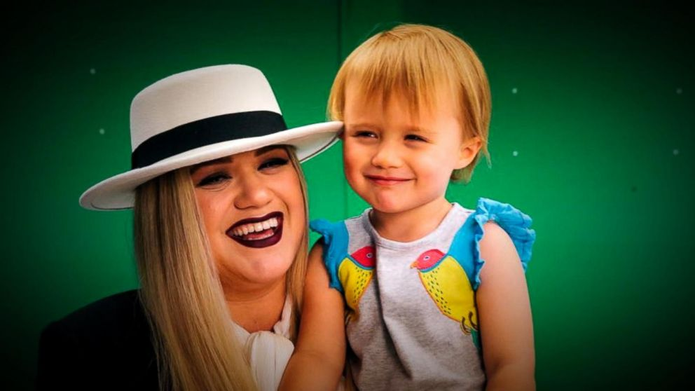 Kelly Clarkson: 'I find nothing wrong with a spanking' my children ...