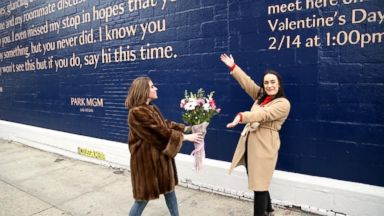 'VIDEO: Meet the woman who created a mural to try to find a missed love connection' from the web at 'https://s.abcnews.com/images/GMA/180216_gma_breakfast_love3_16x9_384.jpg'