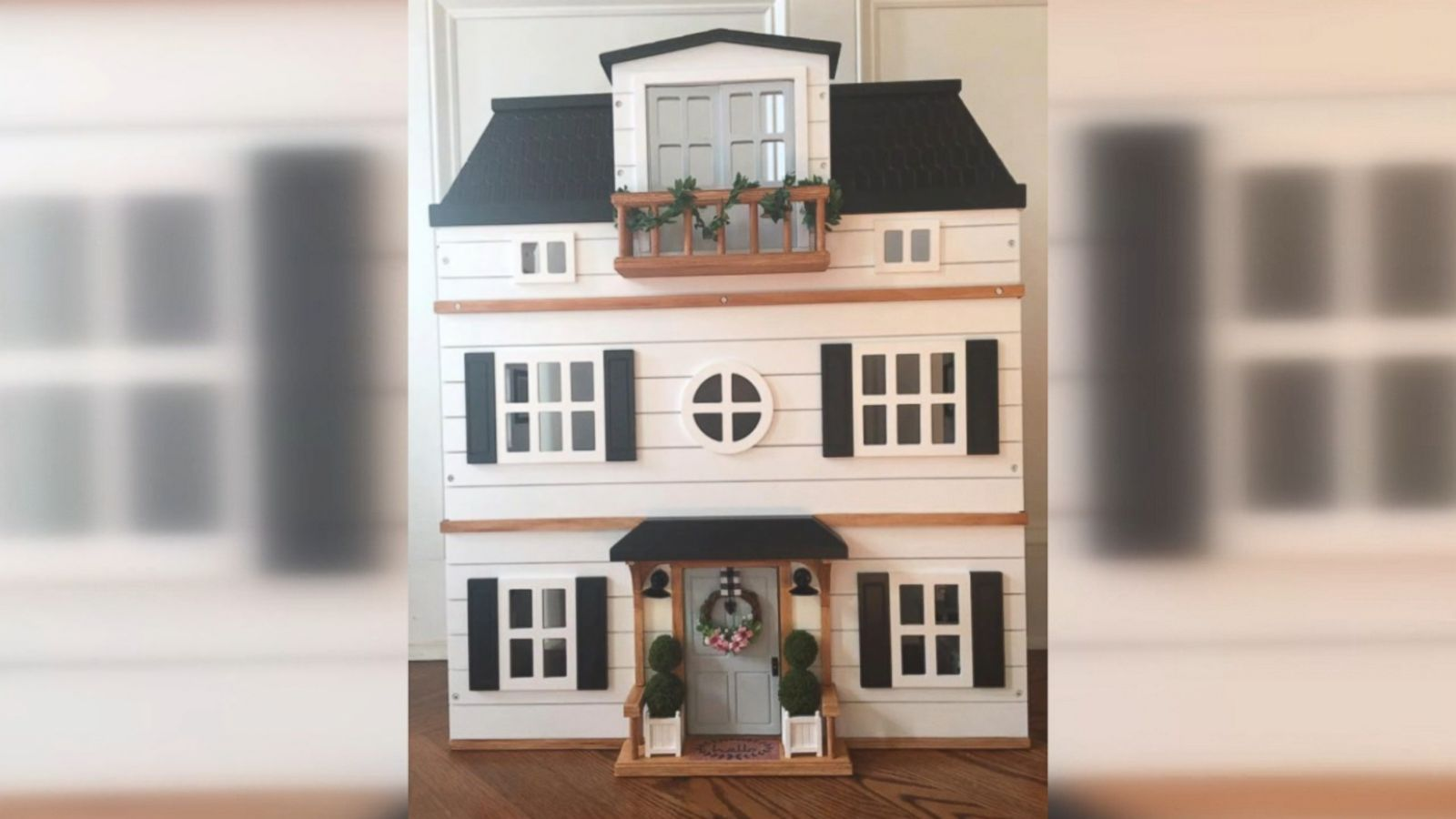 af01a735cba Woman makes incredible 'Fixer Upper'-inspired dollhouse - ABC News