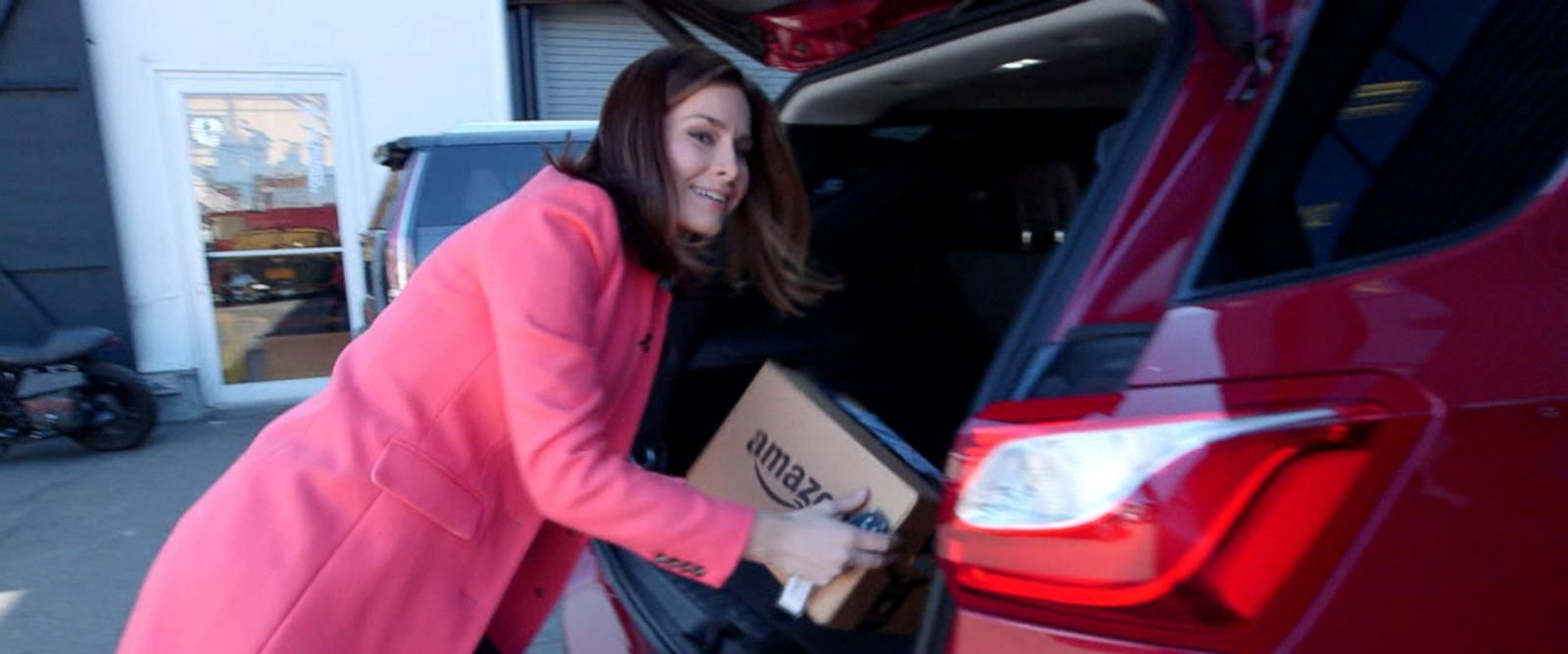 VIDEO: Amazon now offering in-car delivery service