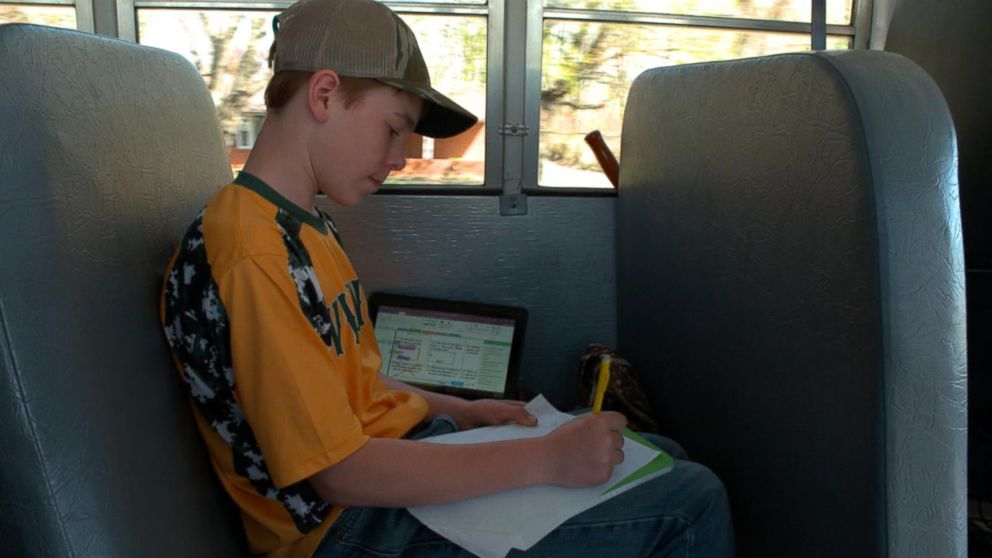 Google equips school buses with WiFi|GMA