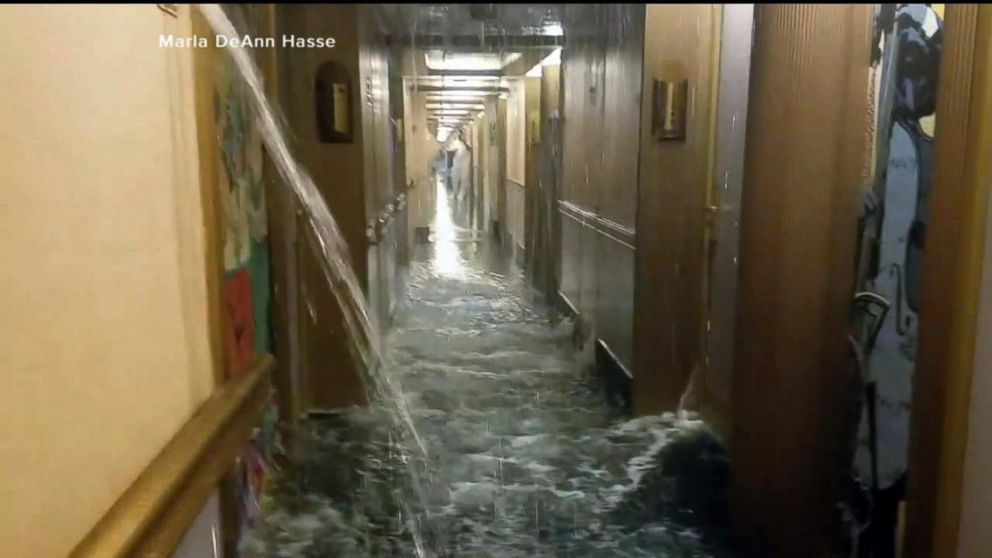 Carnival Halloween Cruise 2019.Nightmare For Passengers As Dozens Of Staterooms Flood On Carnival Cruise