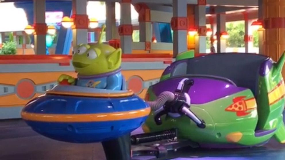 Here's what it's like to ride Alien Swirling Saucers at Toy Story Land