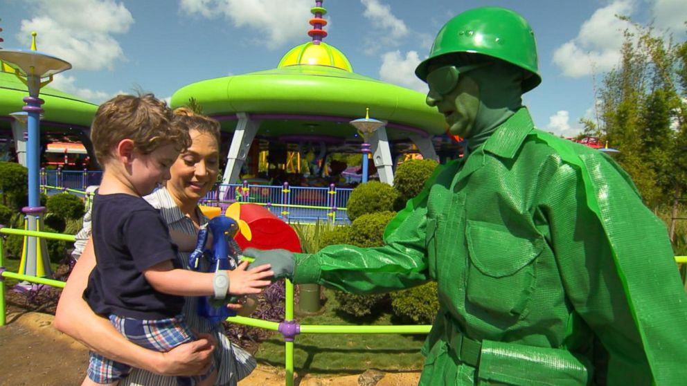 New Toy Story Land Turns You Into An Honorary Toy In Andy S Backyard