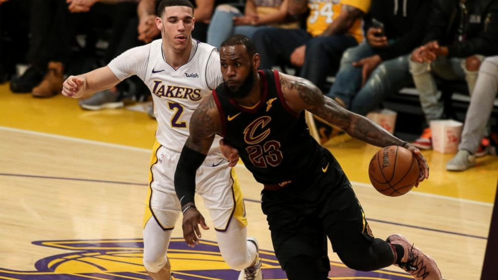 7cc59dbd5fd2 LA celebrities welcome LeBron James to the Los Angeles Lakers - ABC News