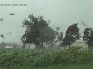 WATCH: Thunderstorms, tornadoes sweep through the heartland