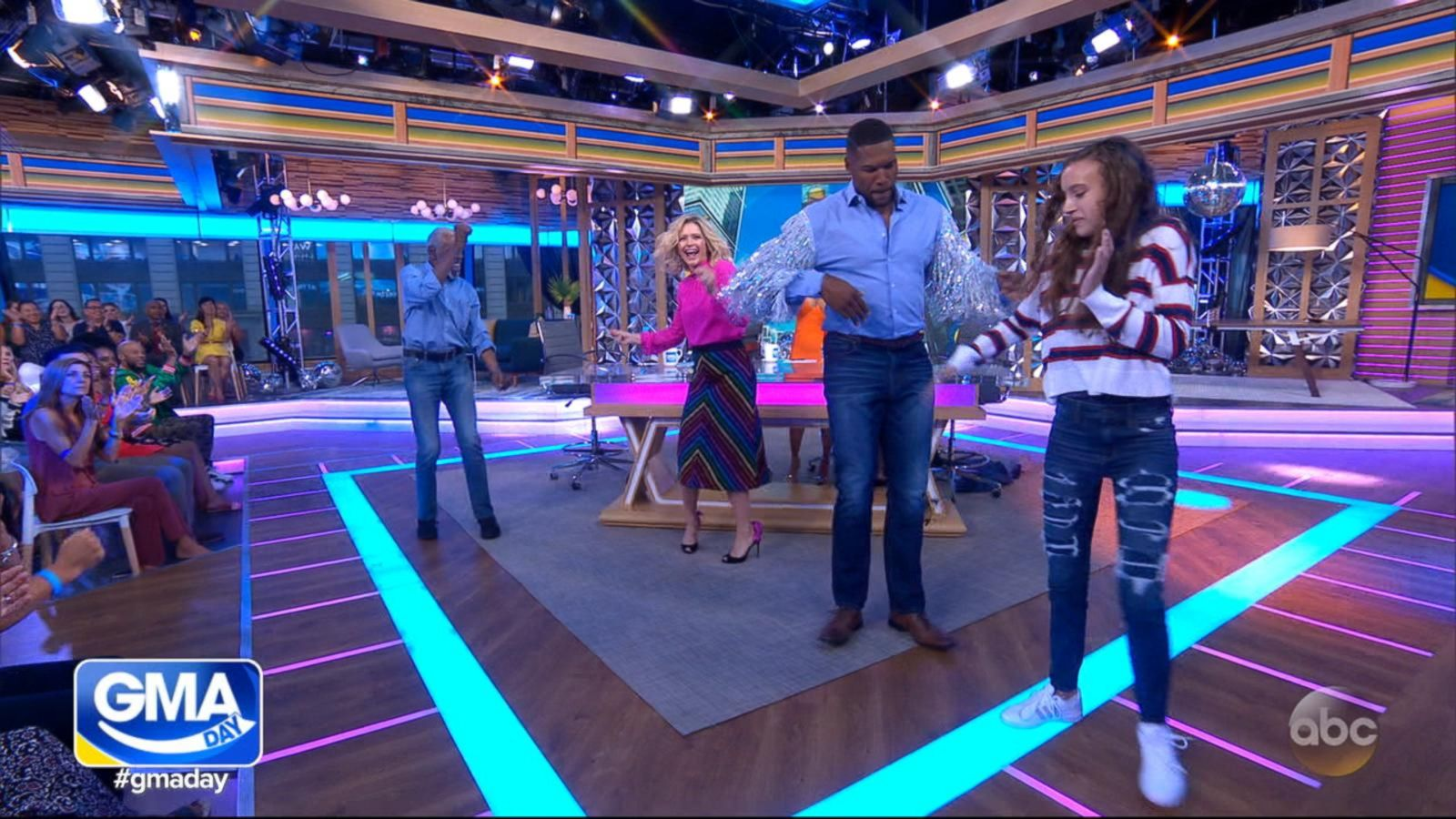 Watch Michael Strahan and Sara Haines bust out their dance moves