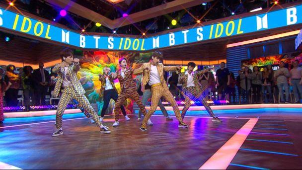 Video Bts Performs Smash Hit Idol Live