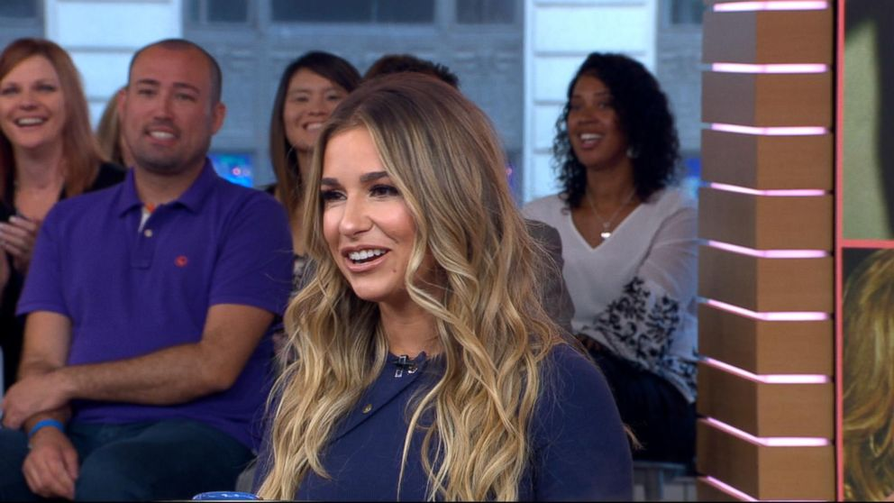 865577c57 buffering. Replay. Jessie James Decker announces she s going back on tour