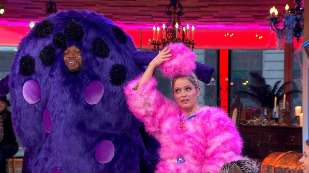 Gma Sara Haines Halloween Costume 2020 Don't miss Michael Strahan and Sara Haines as they bring