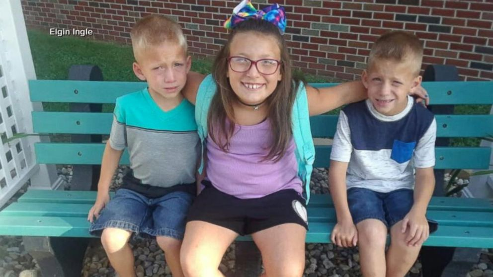 Driver who hit and killed 3 siblings saw flashing lights
