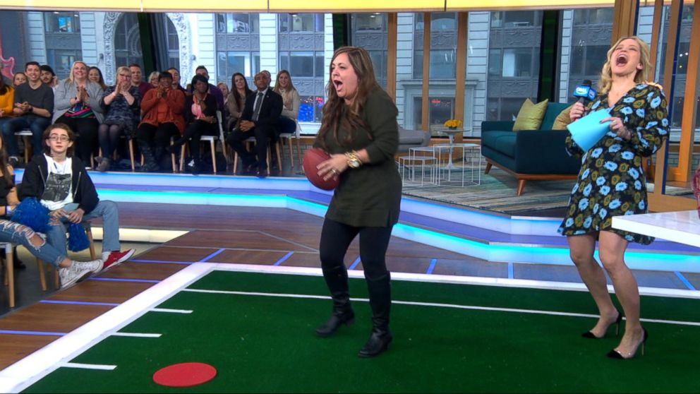 Michael Strahan gives football 101 course to 'GMA Day' audience