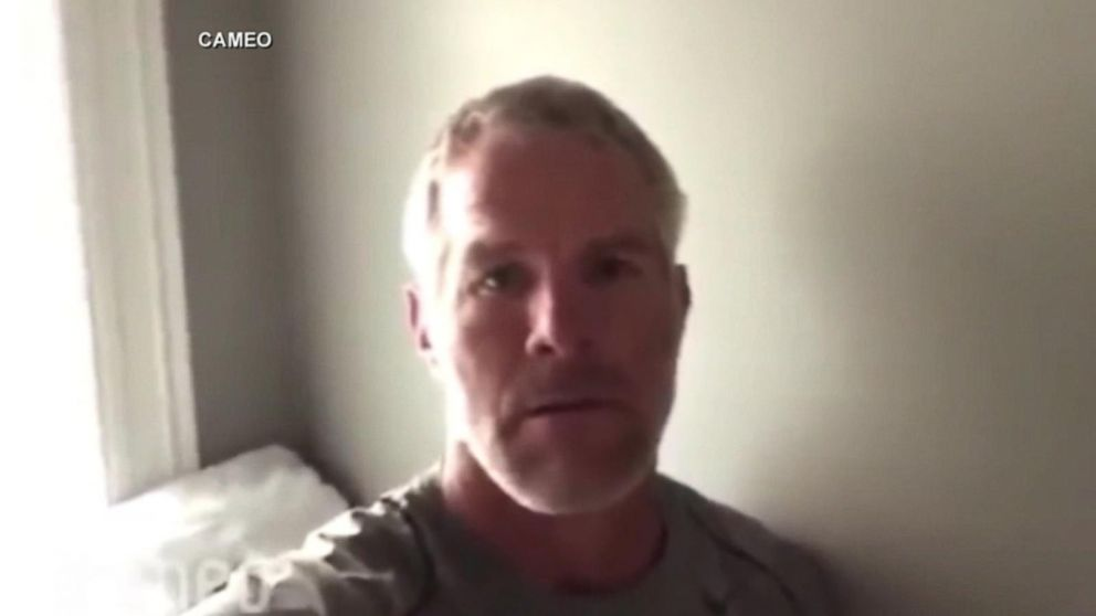 Leaves Are Turning And Brett Favre Is >> Brett Favre Apologizes After Being Duped To Record Anti Semitic