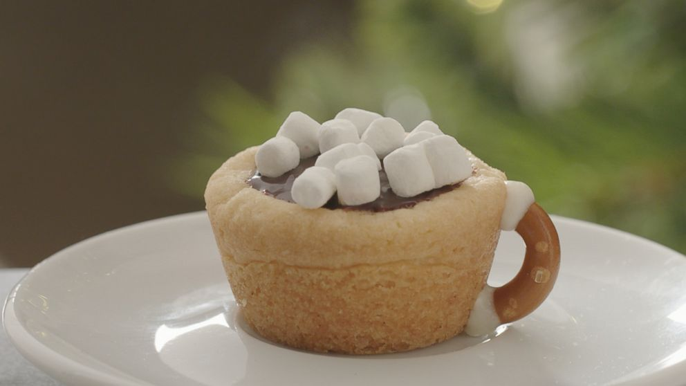 VIDEO: Try this hot chocolate cookie cups recipe