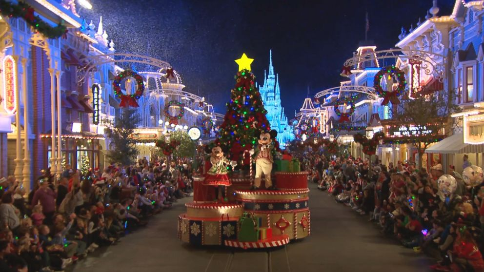 By The Numbers How Walt Disney World Transforms For The Holiday