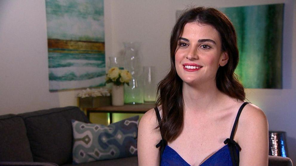 Fiji Water Girl Steals The Spotlight On Golden Globes Red Carpet